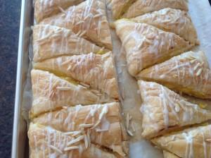Cream Filled Jesuit Puff Pastry (Jesuitas)