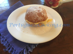 Bolas de Berlim (Fried Doughnut Pastries)